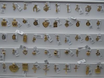 Zawieszki ze złota pr.585