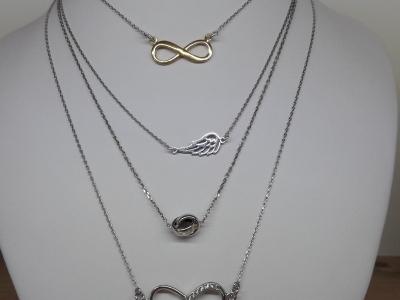 Celebrytki srebro pr.925 - dostępna szeroka gama wzorów. W sprzedaży posiadamy komplety wraz z bransoletką i kolczykami.